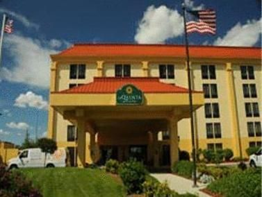 Rochester (NY) Holiday Inn Express Rochester - University Area United States, North America Holiday Inn Express Rochester - University Area is conveniently located in the popular Brighton / Genesee Junction area. Offering a variety of facilities and services, the hotel provides all you need for a good night's sleep. Service-minded staff will welcome and guide you at the Holiday Inn Express Rochester - University Area. Some of the well-appointed guestrooms feature air condition...