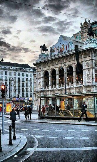 Vienna Opera House, Austria   by serhat tümer My daily sight while abroad :) DiAiSM ATELIERDIA TJANTEK ART SPACE atElIEr dIA  ACQUiRe UNDERSTANDING