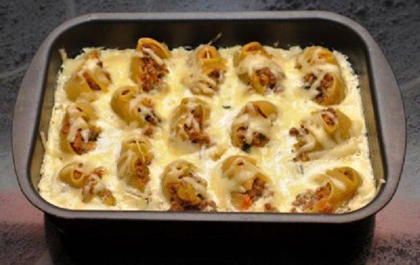 Stuffed «shells» sauce
