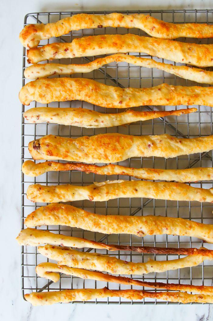 Bacon and Parmesan Grissini ♥ bakeat350.net