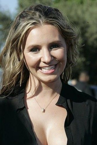 Congratulations to 7th Heaven actress Beverley Mitchell!