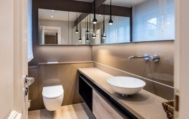 Was Kostet Ein Neues Bad Finde Es Heraus In 2020 Neues Bad Gaste Toilette Moderne Badmobel