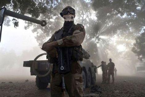 Polémica por la foto de un soldado francés en Mali con una calavera #airsoft #francia #mali #callofduty #CODMW #MW3 #COD