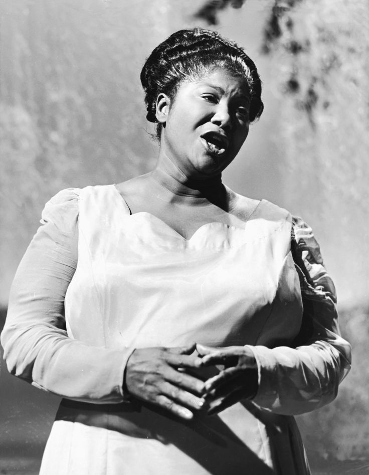 """Mahalia Jackson (October 26, 1911 – January 27, 1972) was an American gospel singer. Possessing a powerful contralto voice, she was referred to as """"The Queen of Gospel""""."""