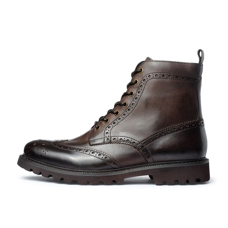 168.00$  Watch now - http://alifyy.worldwells.pw/go.php?t=32751134555 - The British Army special boots boots men carved high laced boots for Martin male