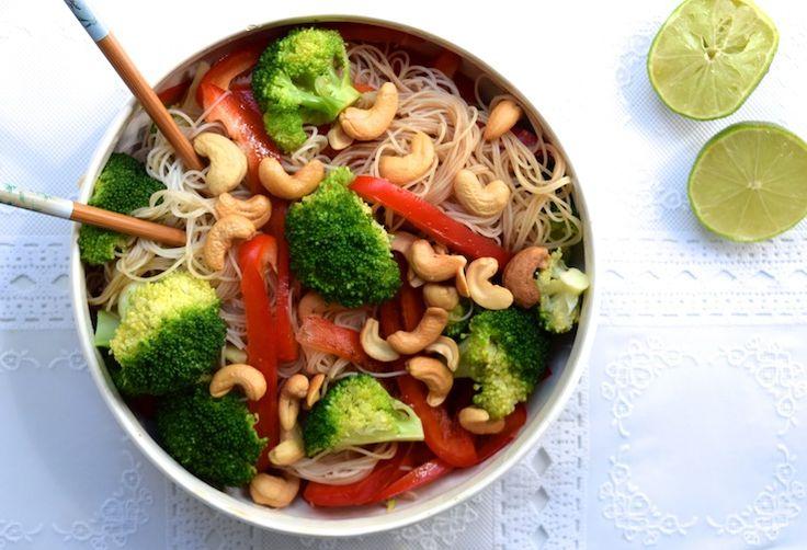 Zin in een maaltijd die súpersnel op tafel staat en ook nog eens heel gezond is? Ja hoor, dan ben je vandaag weer aan het goede adres bij ons! Binnen een kwart