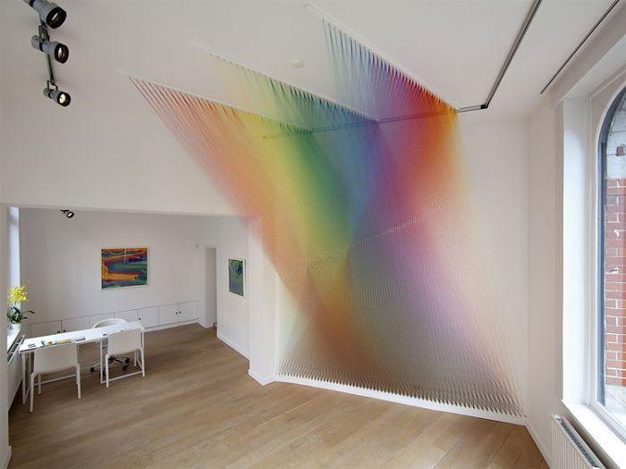 淡く透けていながらダイナミック。 消えない虹を実現したかのようなGabriel Daweさんによるインスタレー […]