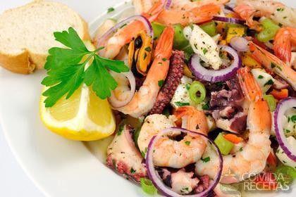 Salada picante de frutos do mar