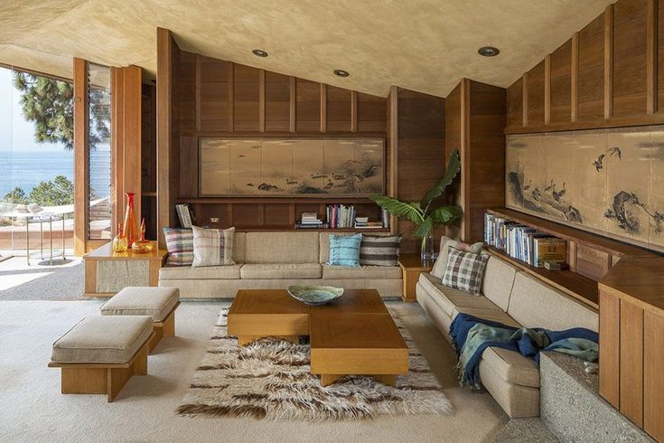 Coastal mid-century modern home by Aaron Green #frenchmodernhome