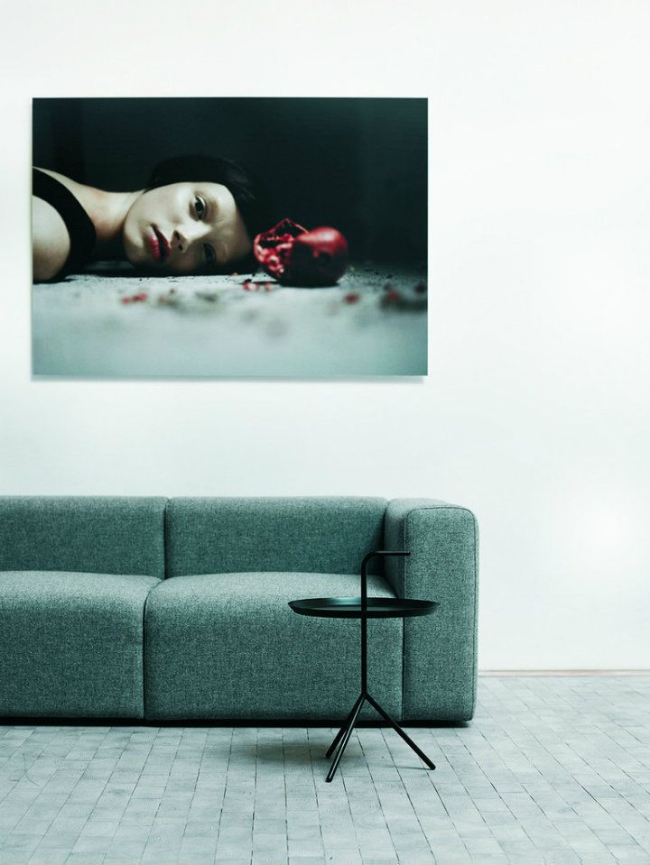 Minimalist Side Table Design Ideas #sidetabledesign Minimalist Design # Livingroom The Living Room #modernlivingroom