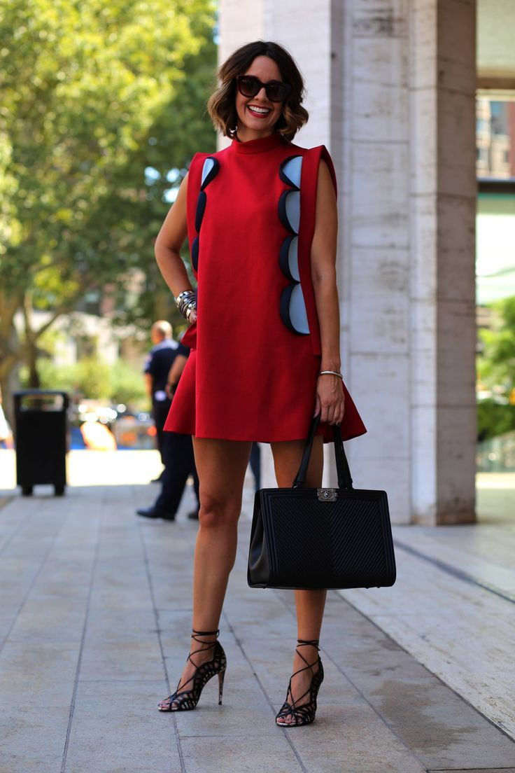 #red #sexi #fashion #woman #streetstyle