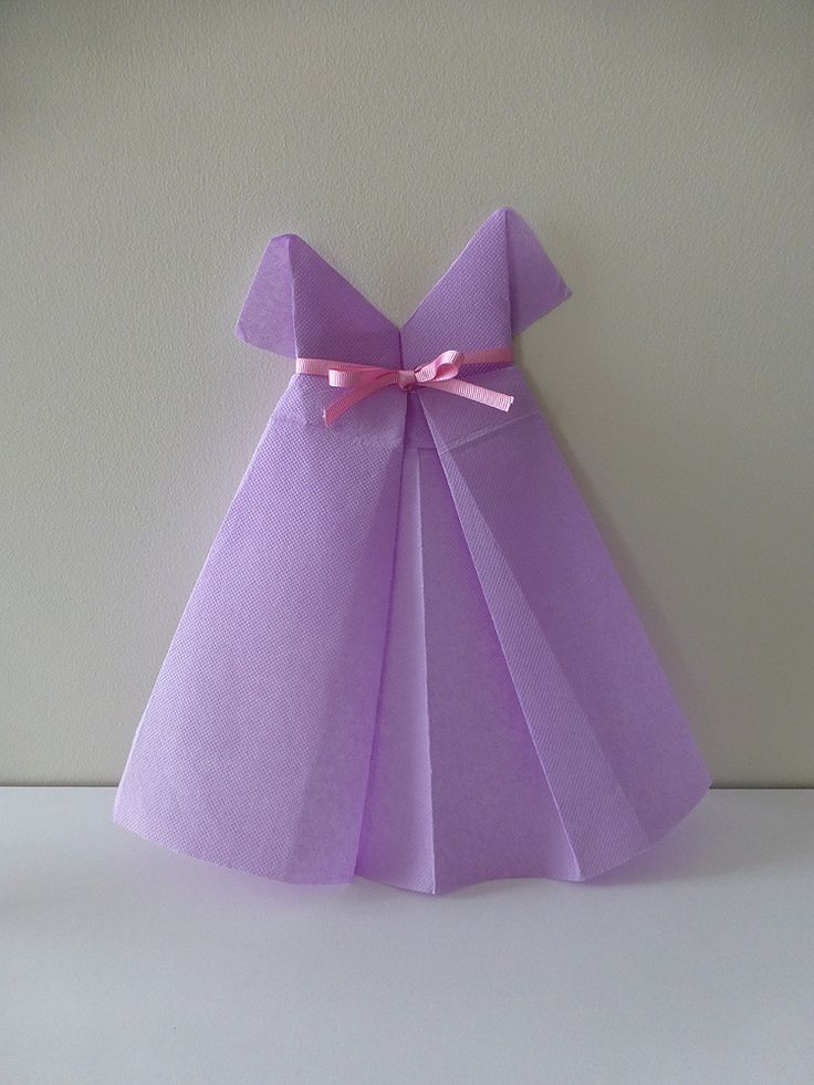 Pliage serviette robe 2 pliage serviette de table centre de table napperons pinterest - Robe en origami ...