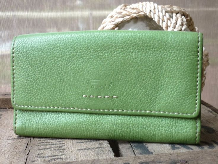 FOSSIL WALLET GENUINE LEATHER GREEN LADIES PURSE
