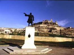 Pedro de Heredia. Fundador de la ciudad, frente a las murallas