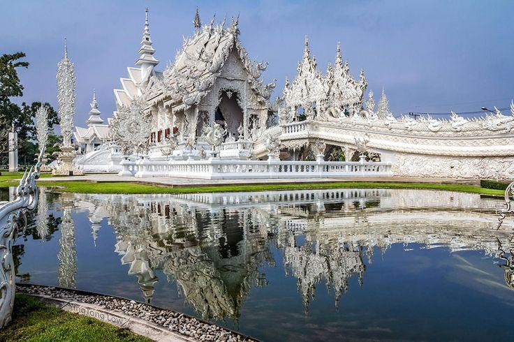 Le temple de Wat Rong Khun - Thaïlande - Pour consulter tous nos circuits en Thaïlande : http://www.asietours.com/thailande/searchProducts?c.ts=ci&c.de=as.th