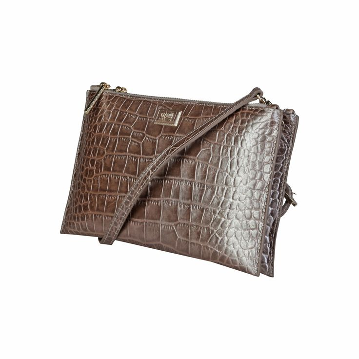 Cavalli Class – C00PW16C52A2  Clutch S/S Collection Women's bag has removable shoulder strap, zip fastening, 2 compartments and a dustbag. Inside it, there are a zipped pocket and a patch pocket. It's outside and lining composed of leather and 100% CO, respectively. It is of size 26*16*3 cm.  https://fashiondose24.com