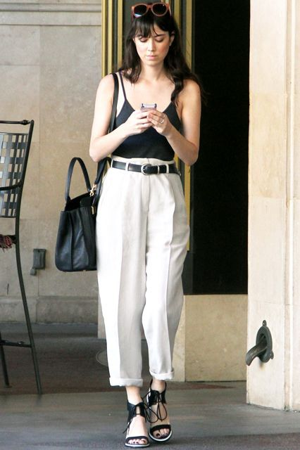 Aubrey Plaza's Shopping Outfit Is Incredibly Practical #refinery29 http://www.refinery29.com/2015/03/84570/aubrey-plaza-high-waist-trousers-outfit