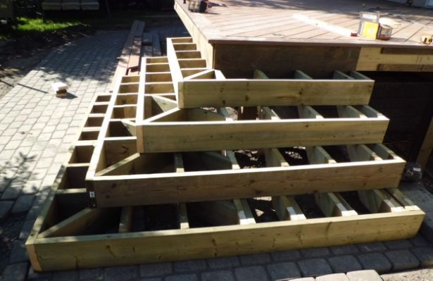 Best Deck Stairs 45 Degrees Corner Deck Steps Deck Framing 400 x 300