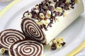 Mary Berry's Manhattan roulade