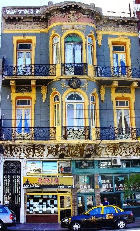 CAFÉ SAN BERNARDO de Argentina.  Sirve un buen café y tiene un buen servicio.