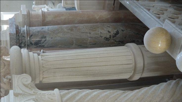 Colonne in pietra - http://achillegrassi.dev.telemar.net/project/colonne-in-pietra-bianca-di-vicenza-4/ - Colonne in Pietra bianca di Vicenza Dimensioni:  250cm x 45cm x 45cm