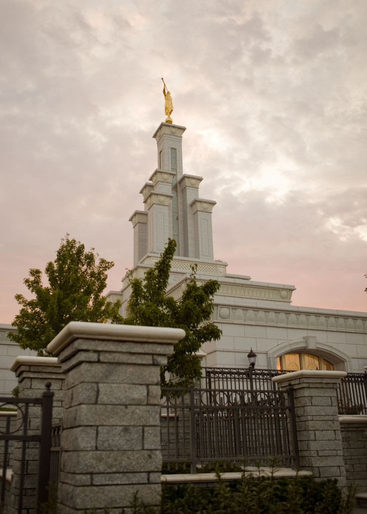10 Curated Columbia River Washington Temple Ideas By Ldstemples Washington Church And We