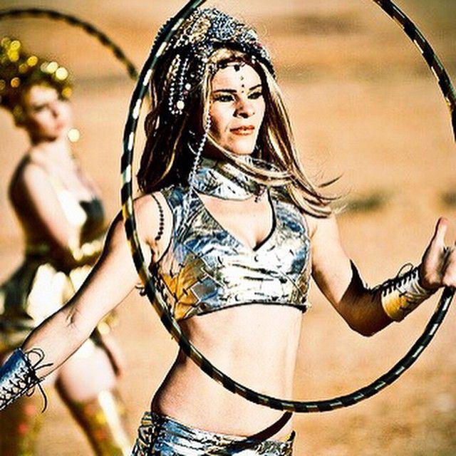 Hooping for Beginners DVD shoot. Desert of Oz 2009