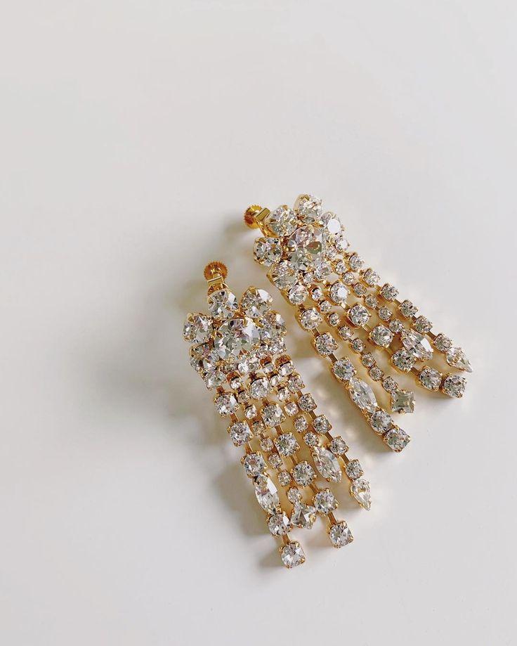 新作 オンラインショップにてupしました シャンデリアのような ダイヤレーンをふんだんに使ったピアス イヤリング カジュアルなデニムスタイルと合わせたりしてもかわいいんです adita pierces earrings https stud earrings earrings jewelry