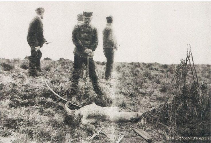 """Popper ! Los """"emprendedores"""" que se aventuraron a Tierra del Fuego fueron particularmente brutales para lidiar con los indígenas selk'nam. Armados con carabinas Winchester versus los arcos y flechas de los nativos, los hicieron bolsa sin misericordia."""