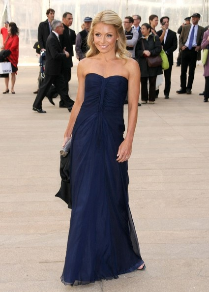 Kelly Ripa...her style is AMAZING