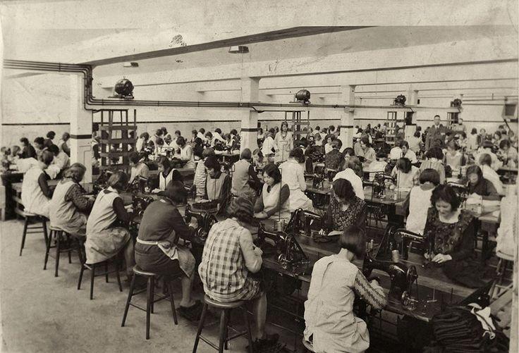 In de Tweka fabriek. Fotobijdrage: Geldrop in Beeld.