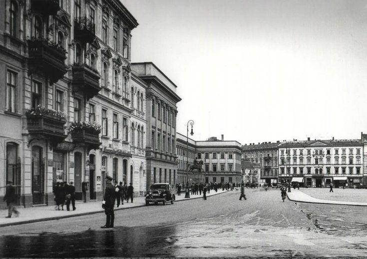 Warszawa międzywojenna - Plac Piłsudskiego widziany od strony ulicy Królewskiej