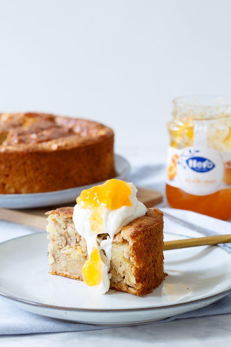 Taart voor ontbijt, wie wil dat nu niet? Dat kan prima elke dag met deze gezonde abrikozen havermout ontbijttaart! En LEKKER dat 'ie is.