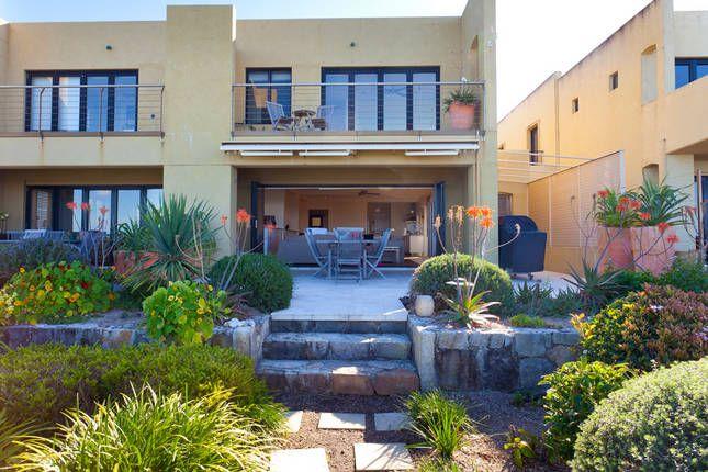 Rayners Absolute Beachfront   Lennox Head, NSW   Accommodation
