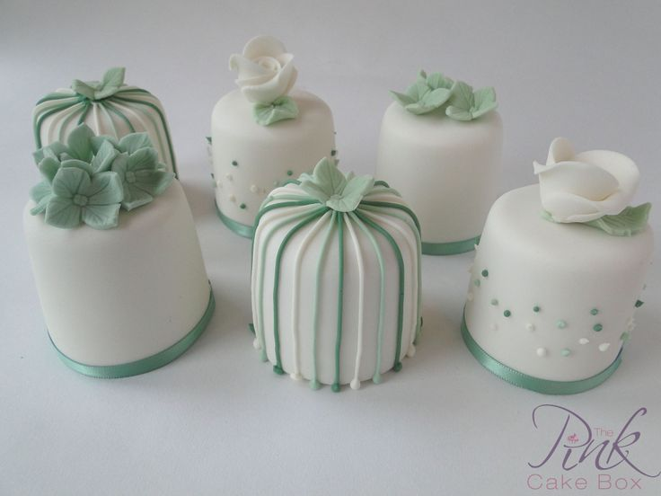 Mini cakes in sage green