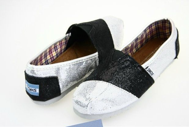 Cheap Toms Shoes Glitter Women in Black and White : toms outlet, your description $17
