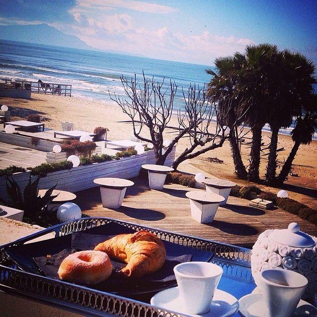Con questo sole la primavera sembra ad un passo! Domani siamo aperti per una colazione o un bel pranzo in riva al mare!