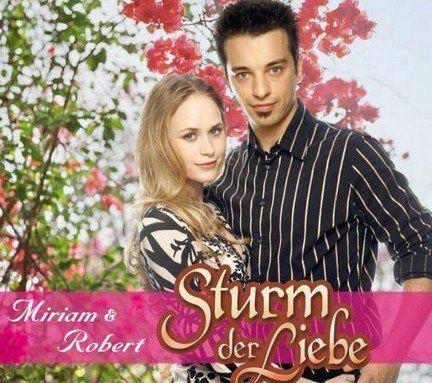 """Lorenzo Patante mit Inez Björg David in """"Sturm der Liebe"""""""