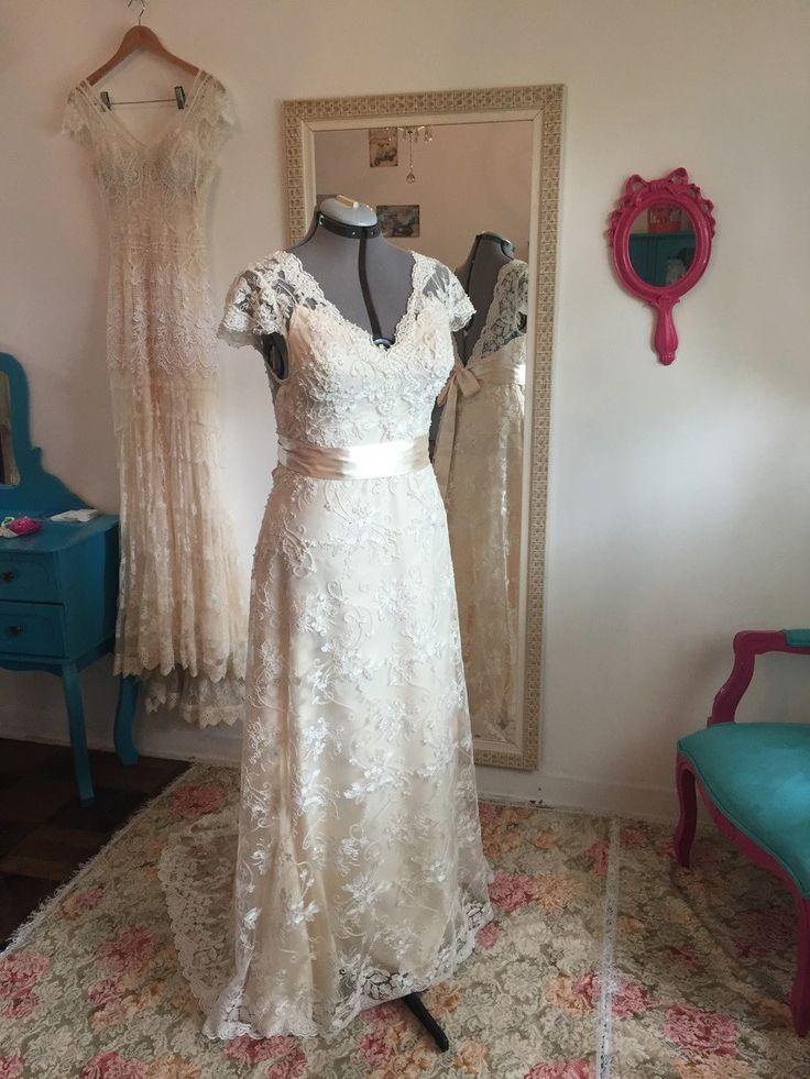 Vestido de noiva Boho chic da nova coleção, disponível a pronta entrega, veste até o tamanho 46, pode ser ajustados nas medidas.  Lindo vestido todo na renda soutache, bordado com pérolas