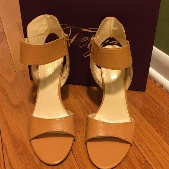 Fergie shoe, new Beige Fergie Shoes