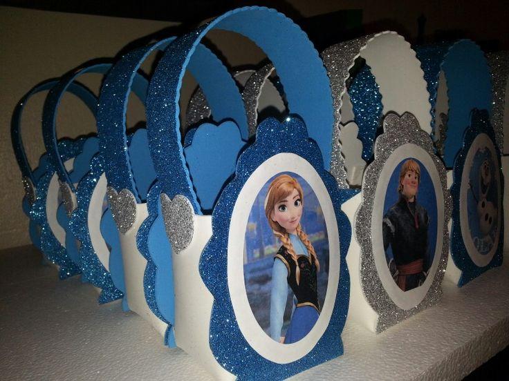 Frozen glitter Foamie candy holders bags Dulceros de frozen foamie de lado