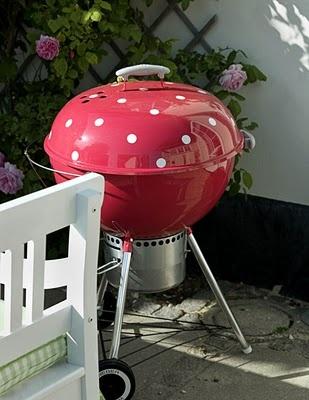 eu quero uma churrasqueira dessa!!! e tem que ser rosa de poá!