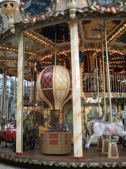 jules verne carousel | La Défense, Paris31. Jules Verne Carousel