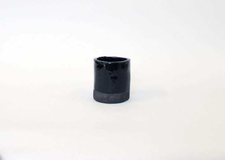 LOUISE MADZIA SMALL BLACK PLANTER