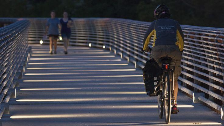 Projeto Urbano: Ponte de Pedestres Rosemont, repensando a passarela