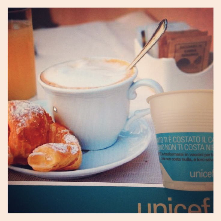 Il #5x1000 costa meno di un caffé. O meglio, non costa nulla!    Buongiorno! Hai fatto colazione? Quanto ti è costato il caffé?  Sai che salvare un bambino non ti costa nulla?    Dona il tuo #5x1000 all'UNICEF, lo trasformerai in vaccini per bambini.  CODICE FISCALE 01561920586   Vai ora su http://cinquepermille.unicef.it/ per sapere come fare!