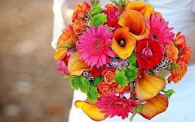 Ideas for Summer Wedding Centerpieces on http://www.bellaweddingflowers.com/blog