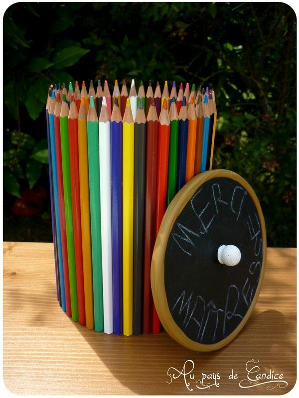 bo te crayons couvercle ardoise pour cadeau ma tresse tutoriel sur le blog mes bricolages. Black Bedroom Furniture Sets. Home Design Ideas