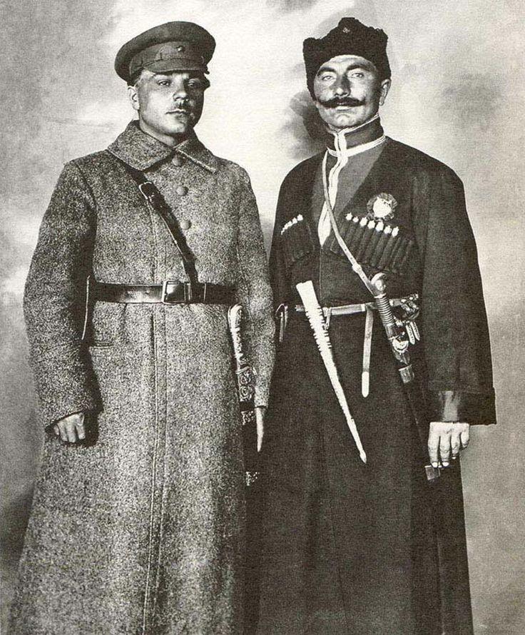 Будённый и Ворошилов .