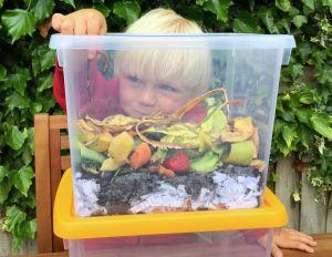 Maak een wormenbak met de kids.